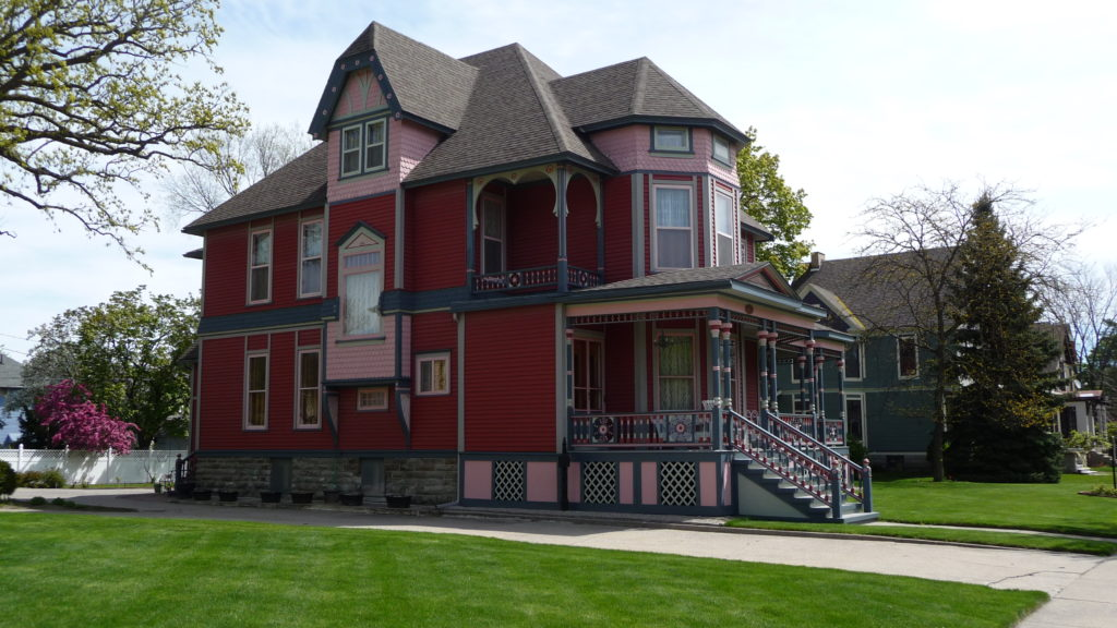 Another Historic home in Bay City Michigan