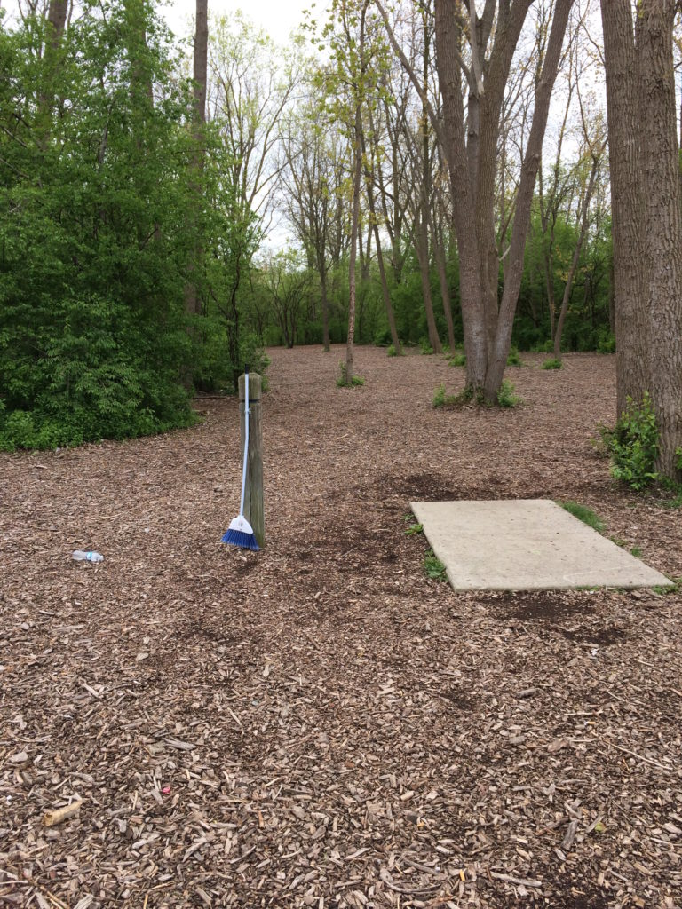 1st tee at disc golf course at Bandemer Park Ann Arbor MI